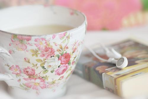 Французский фарфор: королевские чашки в стиле Прованс