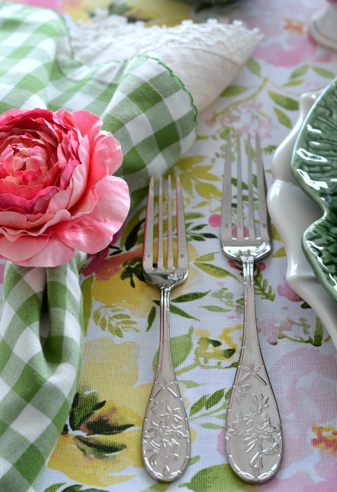 dekor/cvetochnye-kompozicii-k-pashe-svoimi-rukami-foto-17.jpg