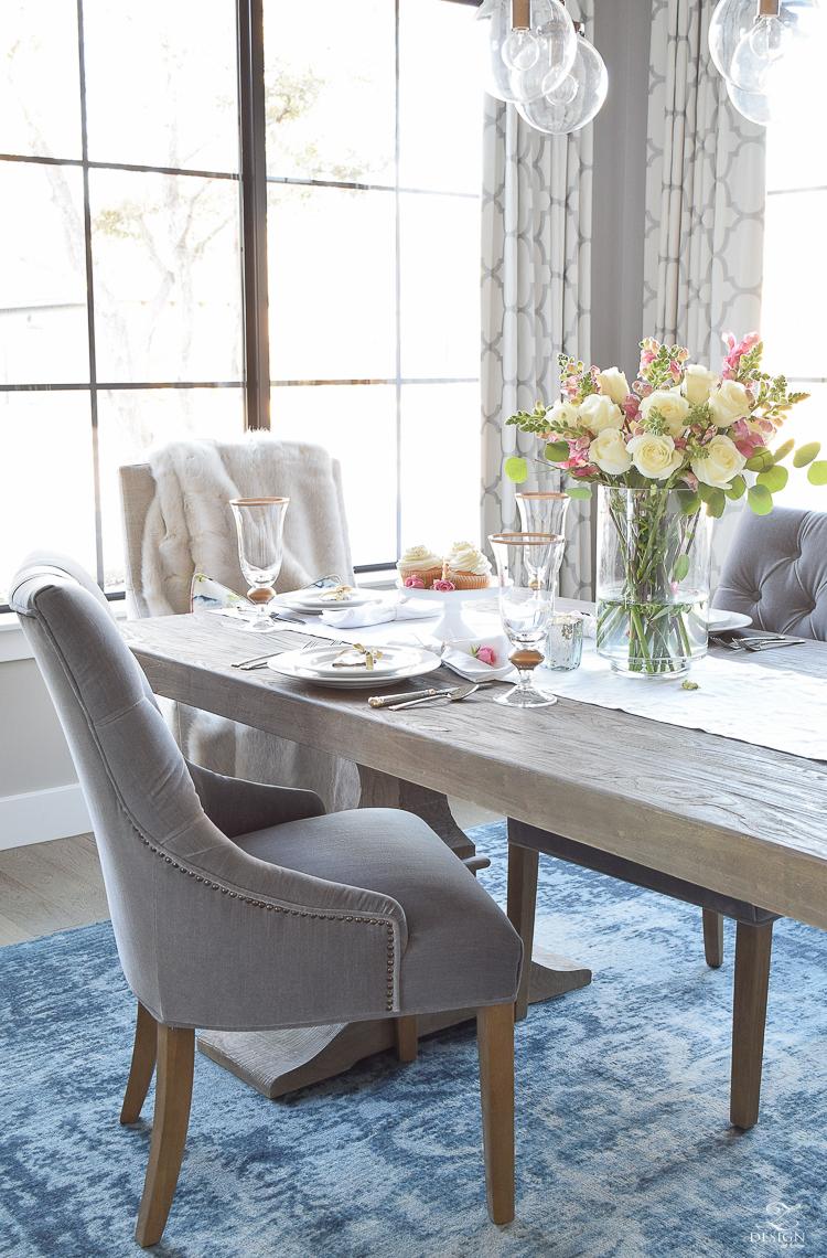 dekor/dekor-stola-na-den-vlublennyh-foto-9.jpg