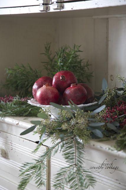 dekor/frukty-na-novogodnem-stole-foto-provans-6.jpg