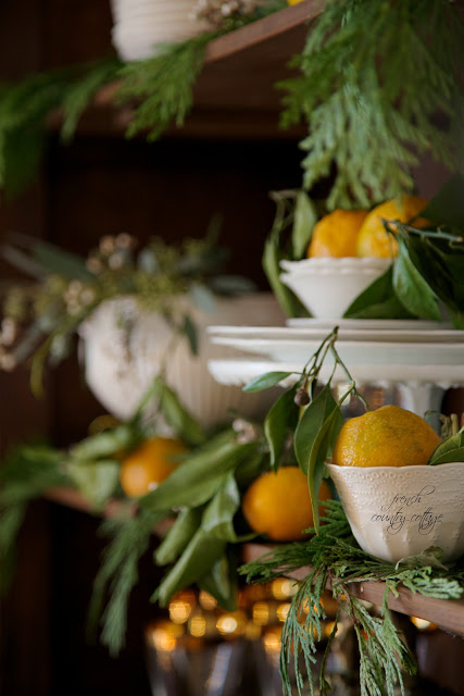 dekor/frukty-na-novogodnem-stole-foto-provans-7.jpg