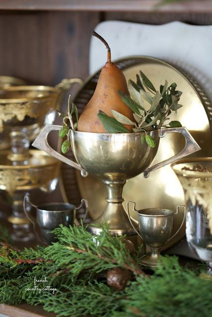 dekor/frukty-na-novogodnem-stole-foto-provans-8.jpg