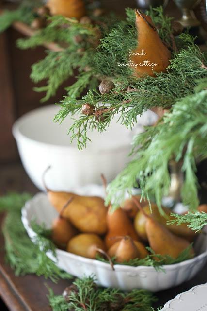 dekor/frukty-na-novogodnem-stole-foto-provans-9.jpg