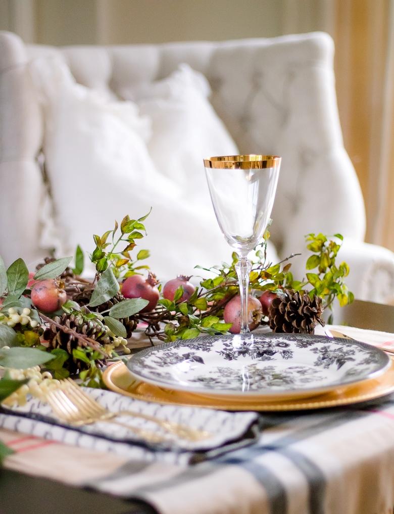 dekor/idei-servirovki-novogodnego-stola-2017-foto-v-stile-provans-7.jpg