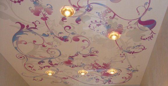dekor/natyazhnye-potolki-v-stile-provans-6.jpg