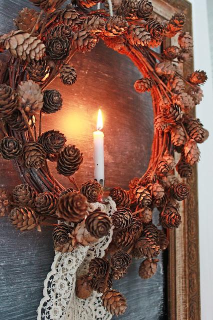 dekor/novogodnie-komozicii-iz-shyshek-foto-15.jpg