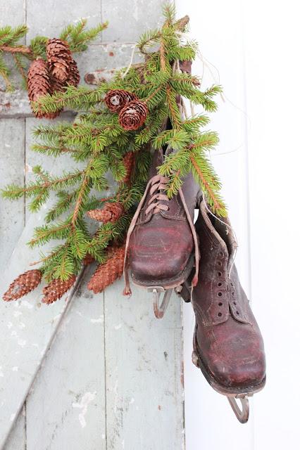 dekor/novogodnie-komozicii-iz-shyshek-foto-3.jpg