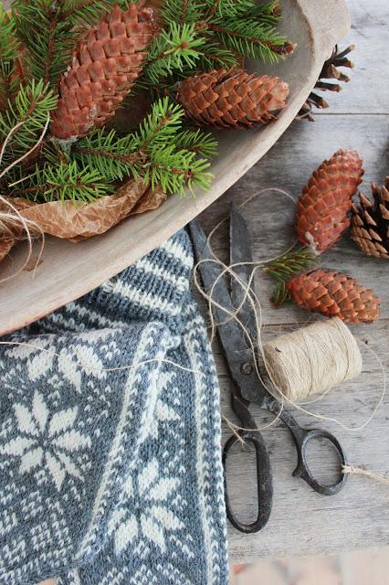 dekor/novogodnie-komozicii-iz-shyshek-foto-5.jpg