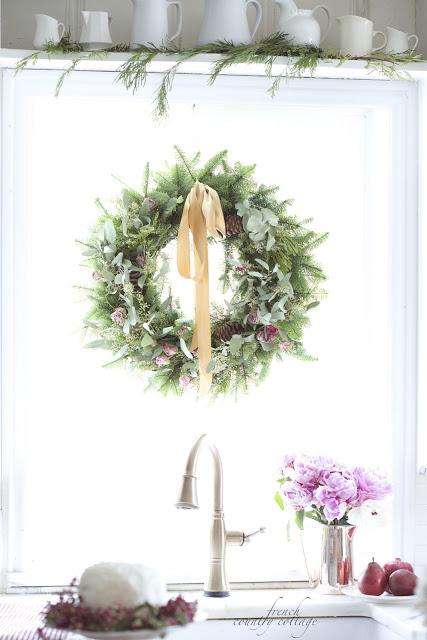 dekor/novogodnie-rozy-foto-v-stile-provans-3.jpg