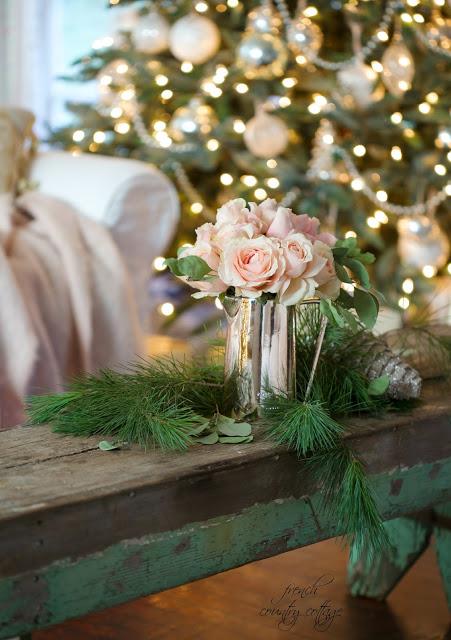 dekor/novogodnie-rozy-foto-v-stile-provans-4.jpg