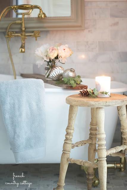 dekor/novogodnie-rozy-foto-v-stile-provans-6.jpg