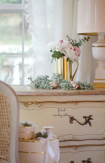 dekor/novogodnie-rozy-foto-v-stile-provans-8.jpg