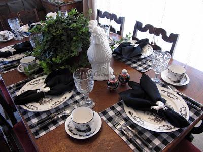dekor/servirovka-novogodnego-stola-2017-foto-1.jpg