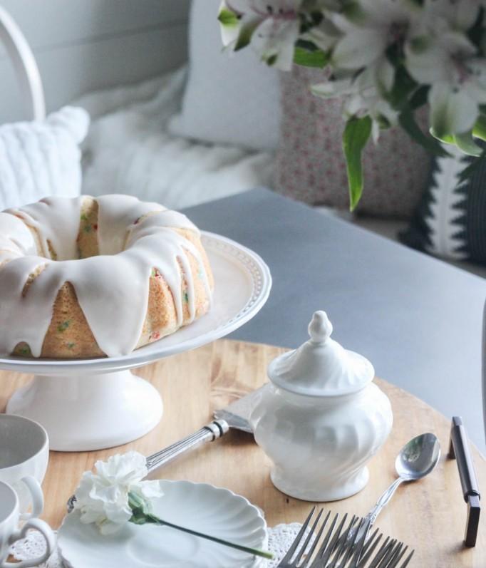 dekor/stol-na-den-svyatogo-valentina-foto-1.jpg