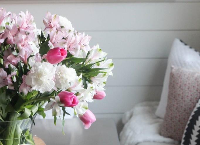 dekor/stol-na-den-svyatogo-valentina-foto-6.jpg