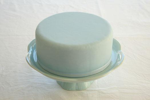 dekor/tort-na-pashu-iz-mastiki-ukrashenie-foto-1.jpg