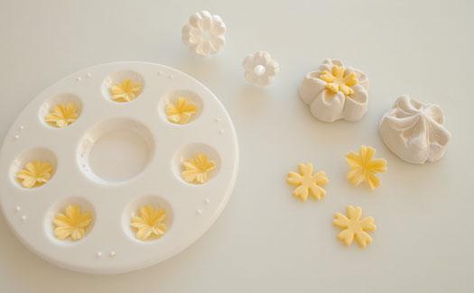dekor/tort-na-pashu-iz-mastiki-ukrashenie-foto-11.jpg