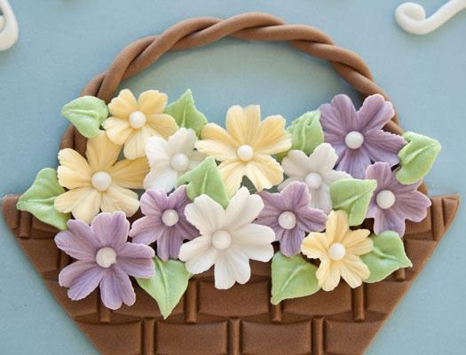 dekor/tort-na-pashu-iz-mastiki-ukrashenie-foto-19.jpg