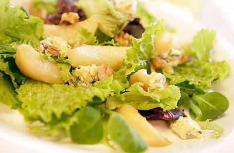 provanskii-salat-s-grushei-kuricei-3