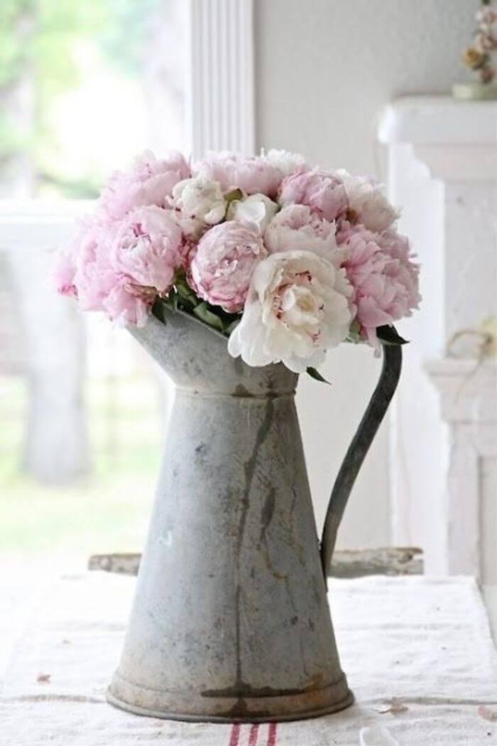 Металлическая ваза в стиле Прованс
