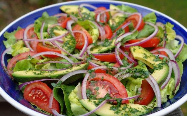 receptu/novogodnii-salat-s-avokado-na-novyi-god-2017-6.jpg