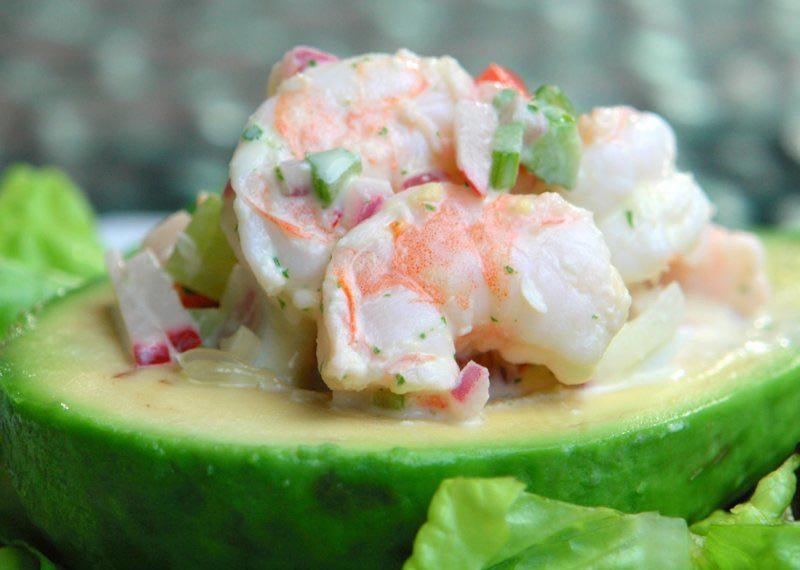 Салаты с авокадо на Новый год: 7 новогодних рецептов французской кухни